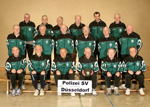 Faustball Mannschaft beim Polizei-Sport-Verein Düsseldorf e.V.
